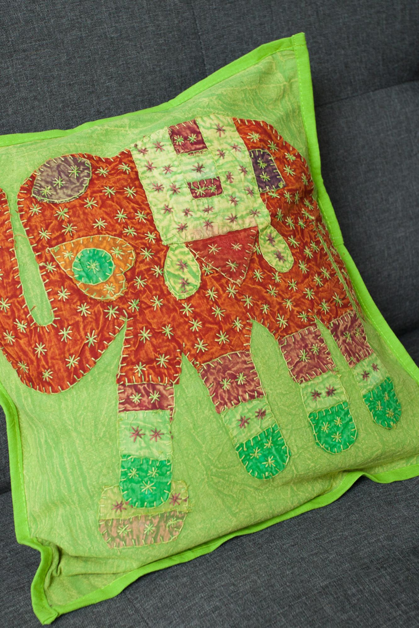 Fata de perna verde fistic lucrata manual