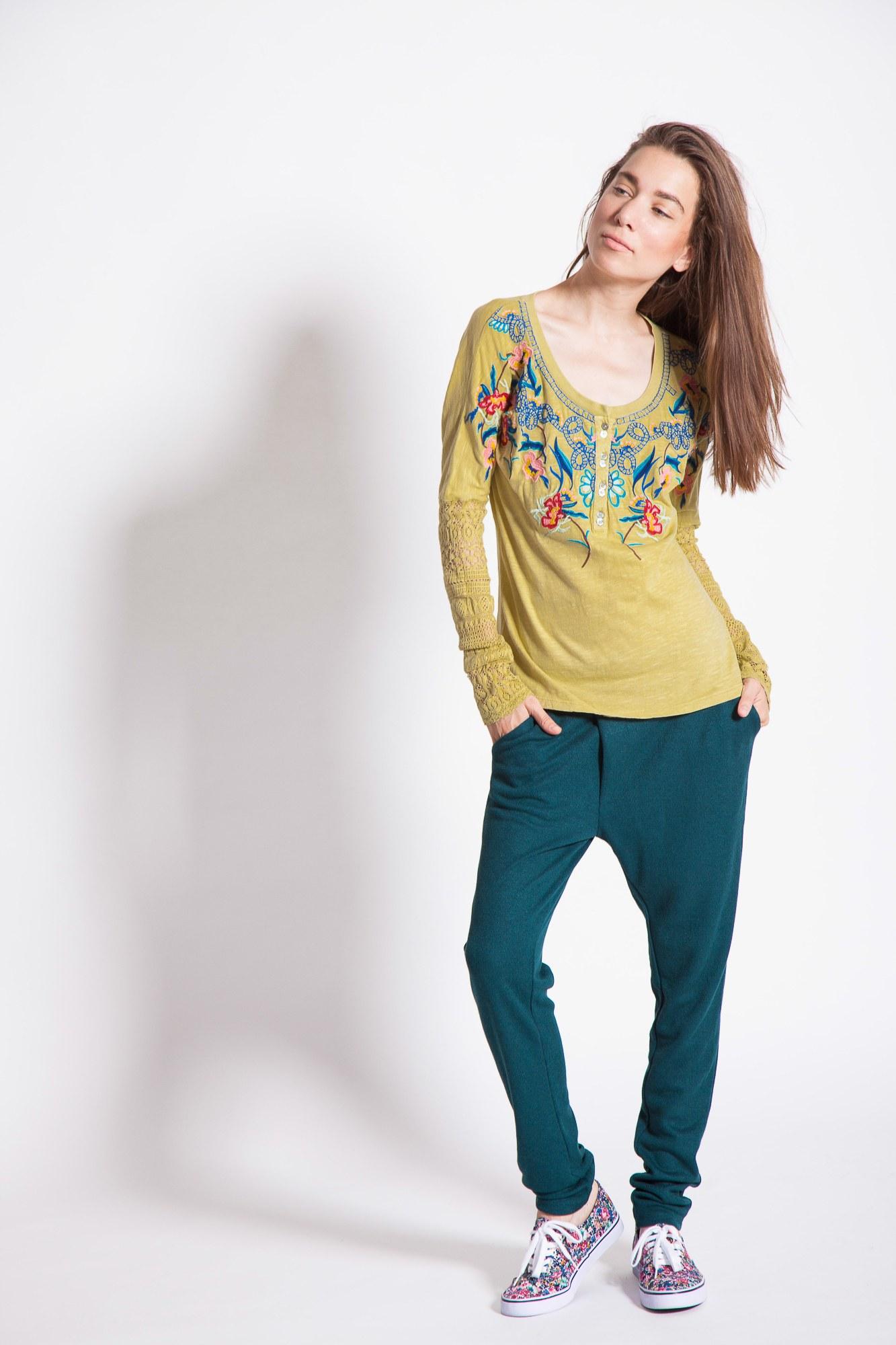 Bluza casual verde-absint Dalinda brodata
