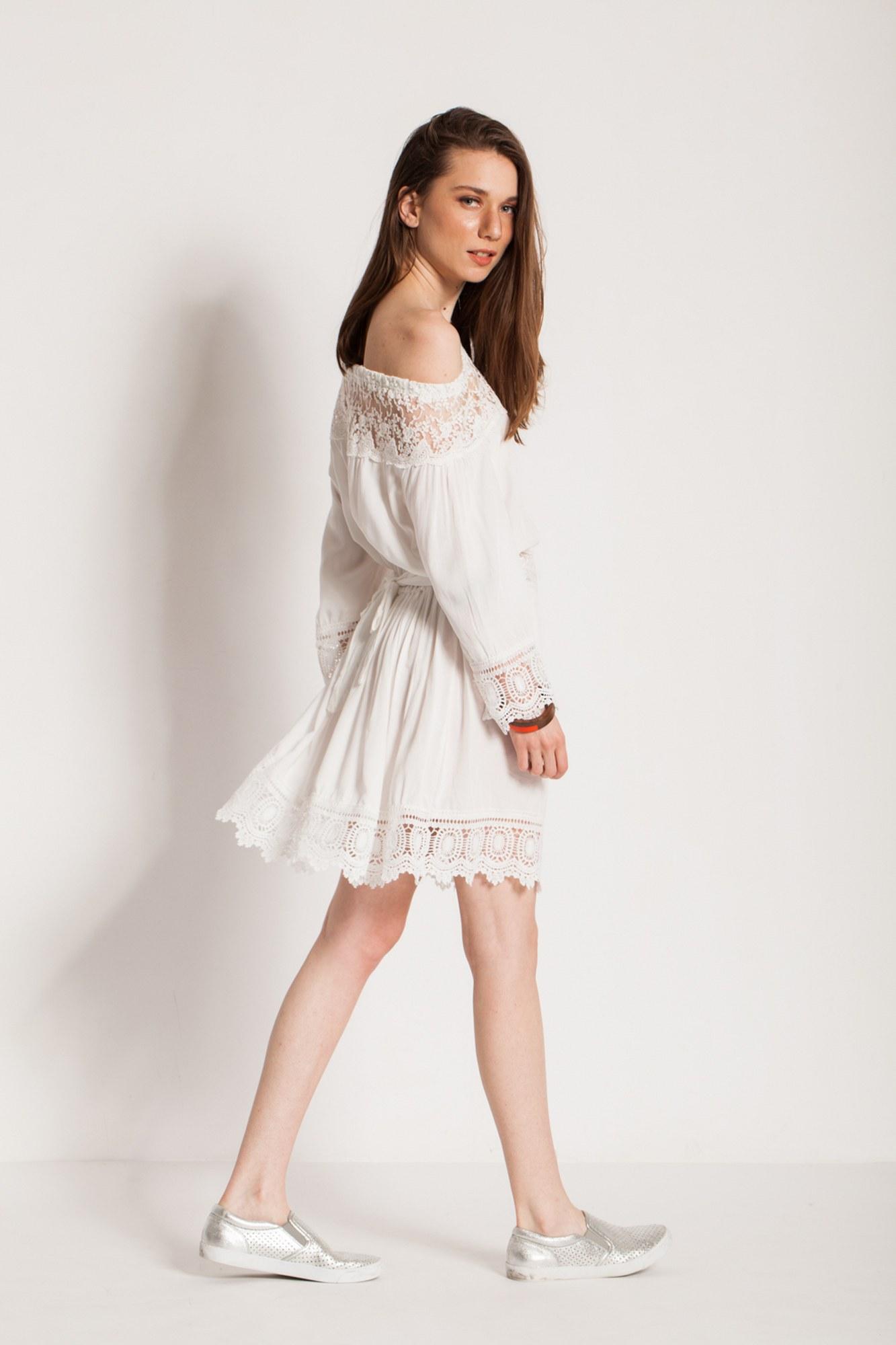 Rochie alba eleganta Nisa cu dantela