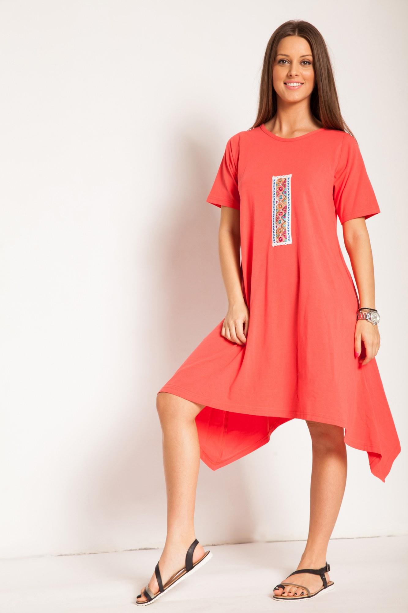 Rochie corai bumbac cu aplicatie colorata