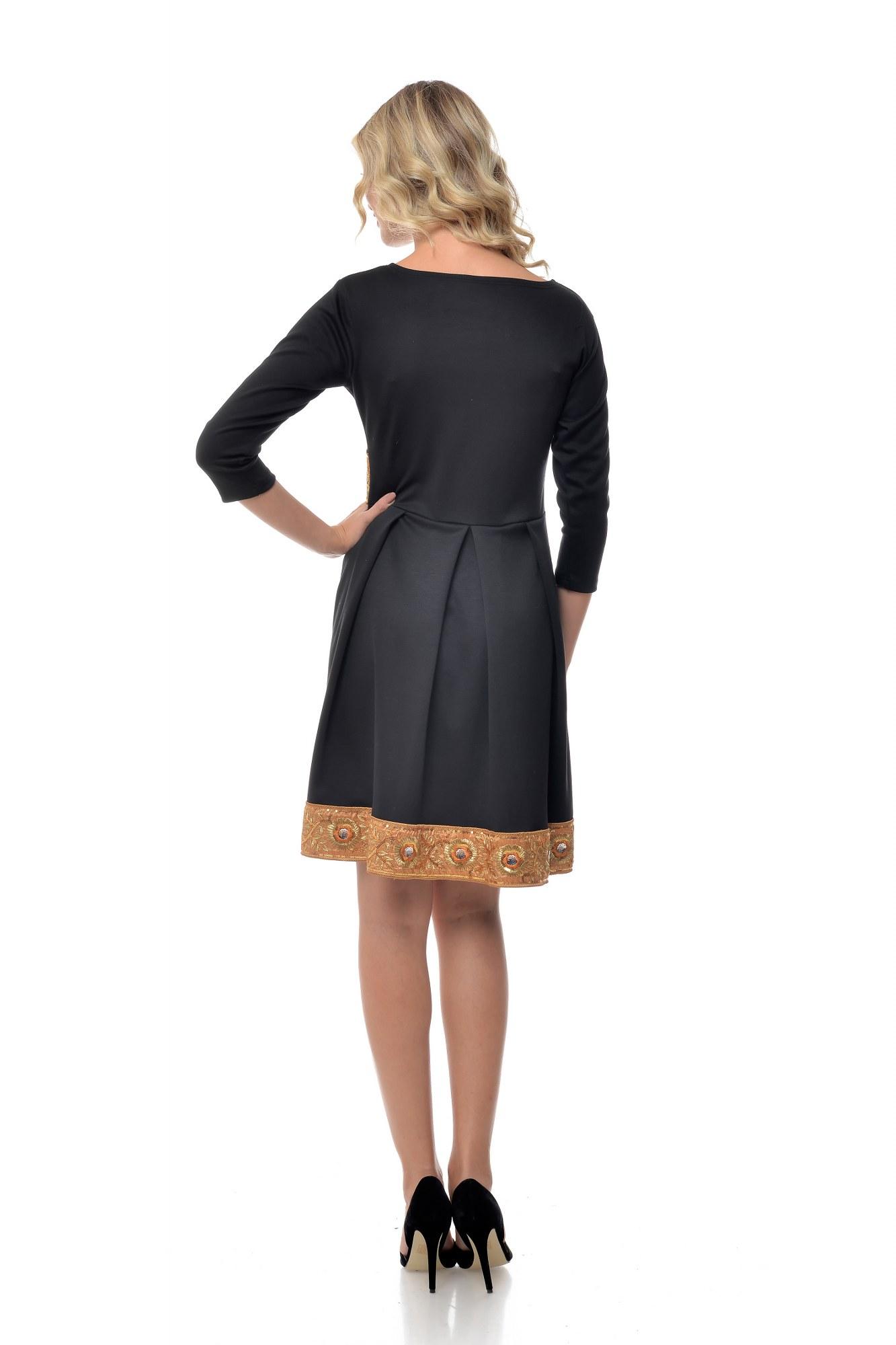 Rochie neagra cu brau si bordura crem