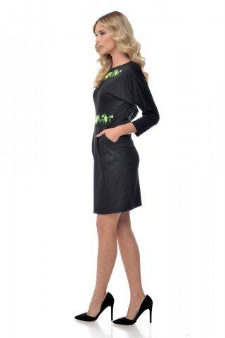 Rochie neagra cu broderie verde aplicata
