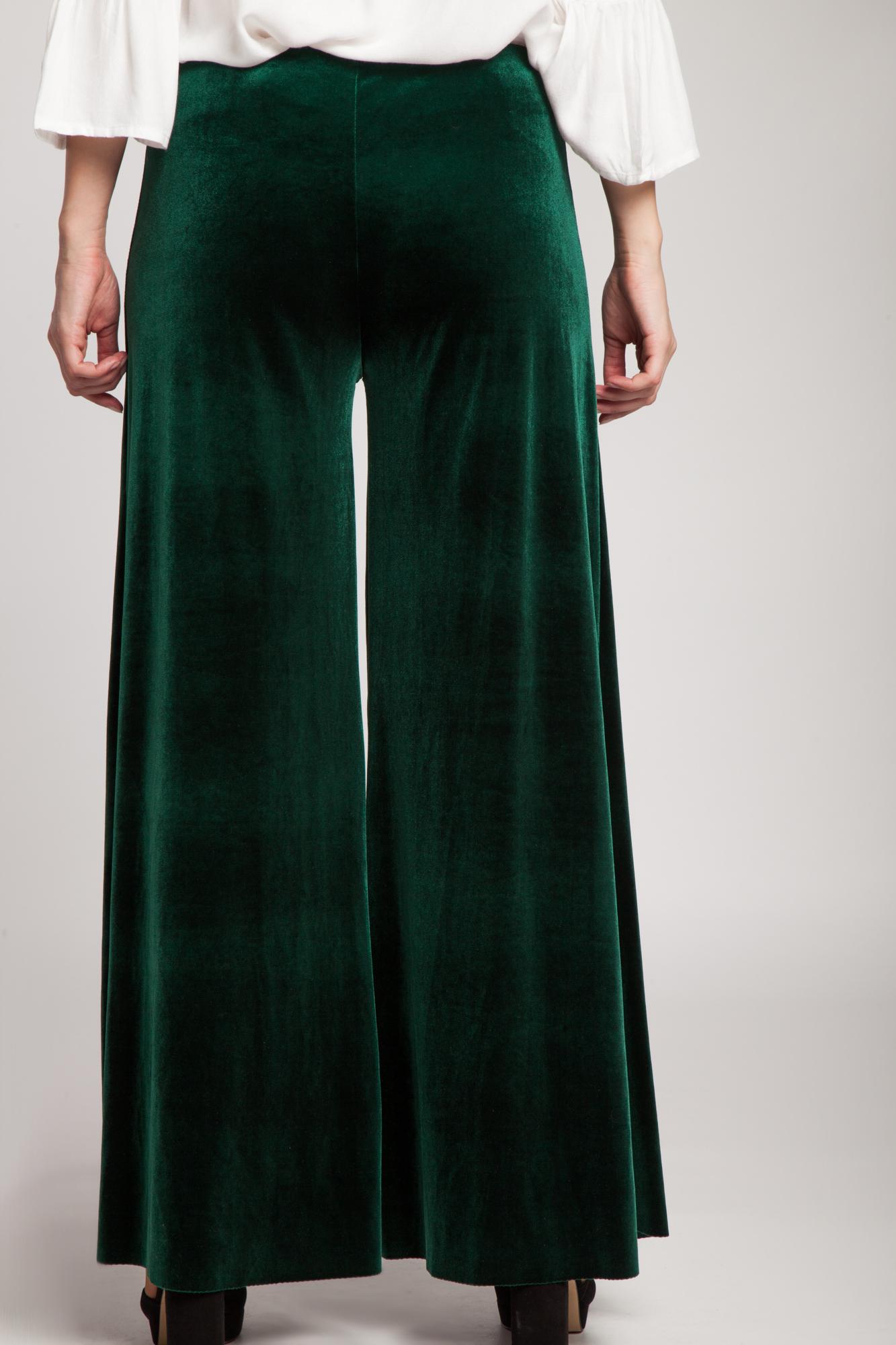Pantaloni evazati din catifea verde
