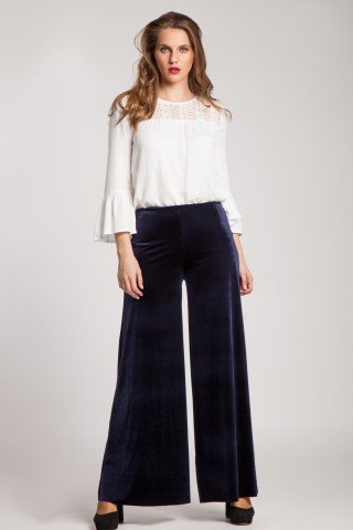 Pantaloni evazati din catifea bleumarin