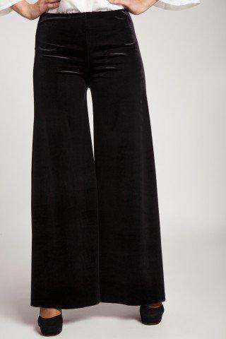 Pantaloni evazati din catifea neagra
