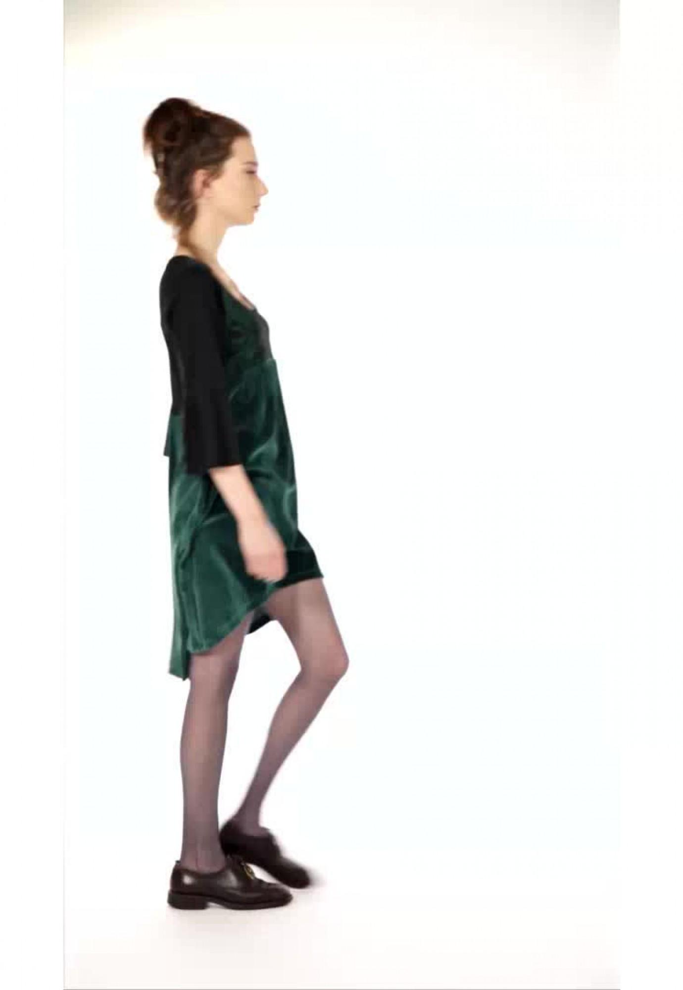 Rochie verde catifea asimetrica maneci evazate